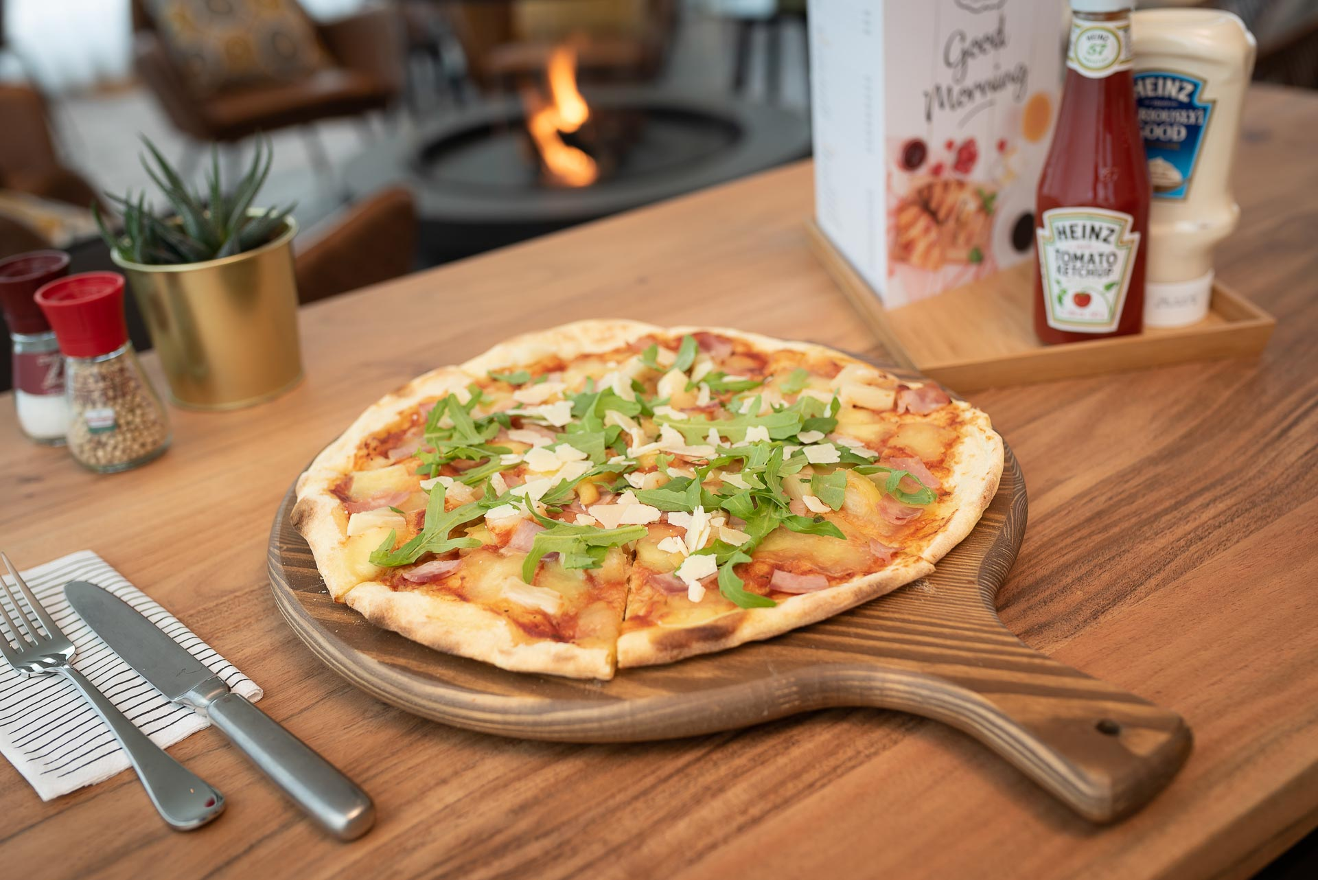Pizza in food cafe in PREMIER SUITES PLUS Antwerp